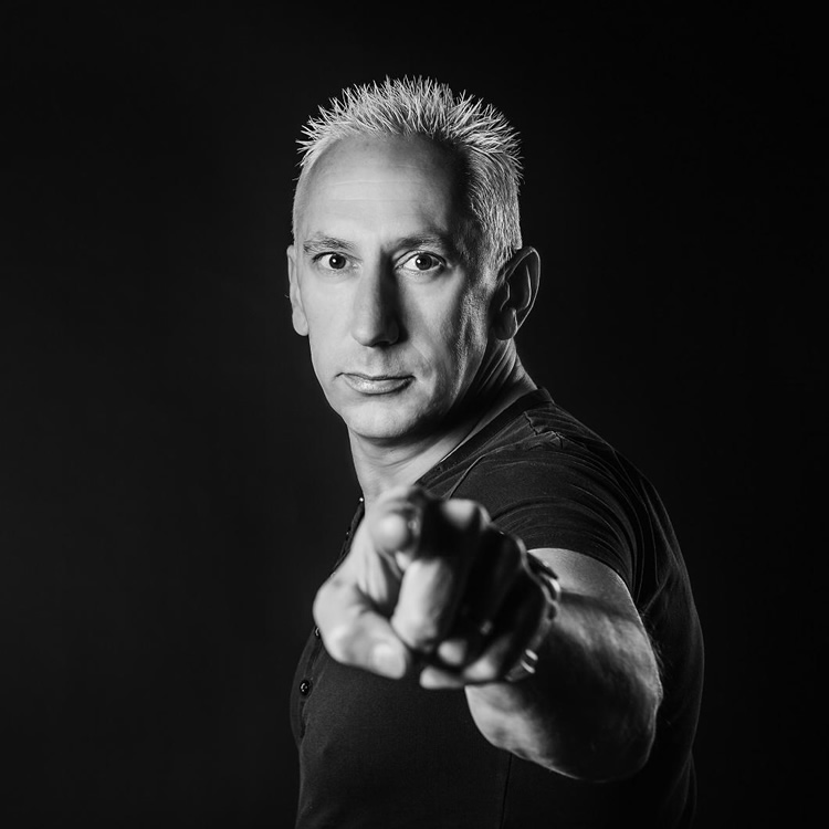 Johan Gielen supports Xzata Music