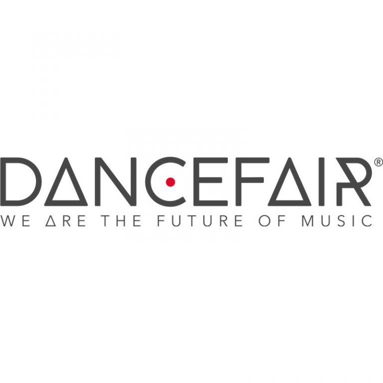DJ Riley at Dancefair: HOUSE LEGENDS VS YOUNG TALENT