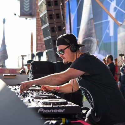 Ivan Mateluna supports Xzata Music